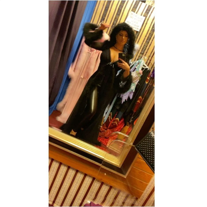 Read more about the article Fell in looove with this robe while costume shopping today….. bruh I need this…