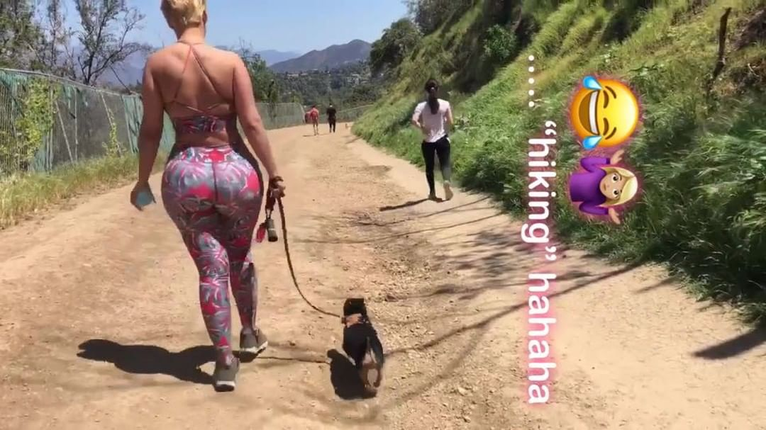 Fat•thletic  ¿Cual prefieres? The trip in the first or Shrek skip in the second?…