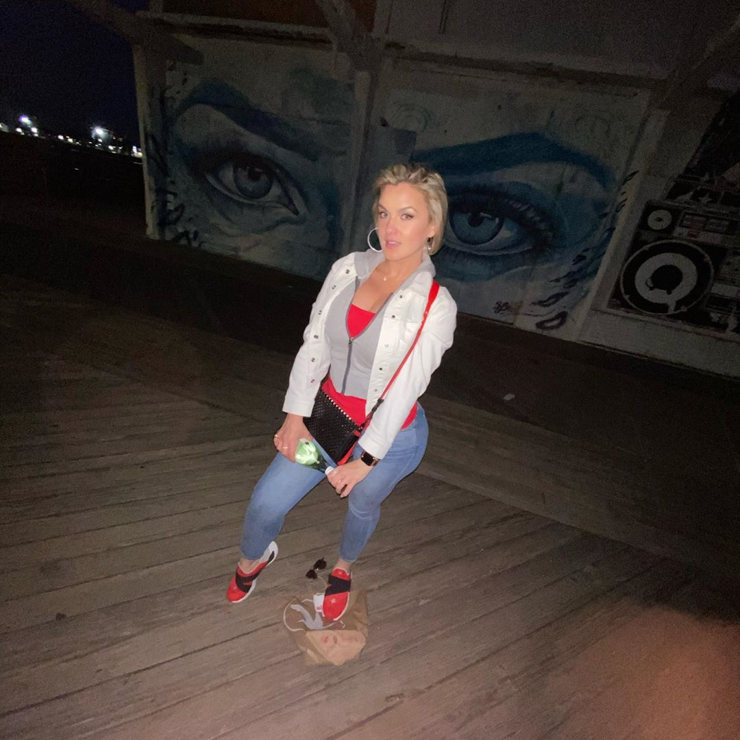 My eyes right there on the wall behind me  amazing day&night …